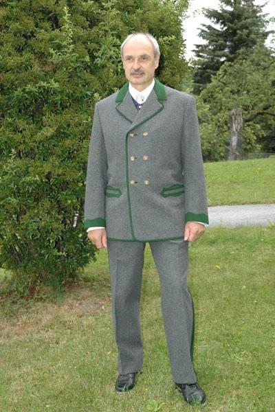 Breitenauer Anzug